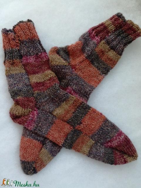 Kèzzel kötött zokni (Home) - Meska.hu