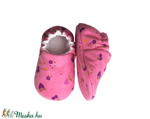 Rózsaszín/Epres-virágos kocsicipő (Hopphopp) - Meska.hu