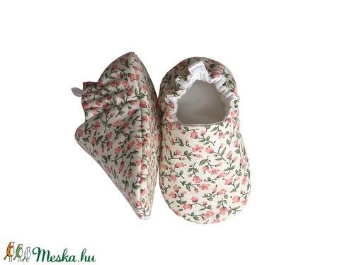 Virágmintás - Hordozós pamutcipő (Hopphopp) - Meska.hu