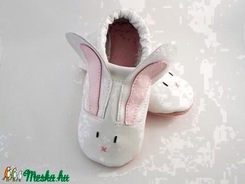 Rendelésre,  TAPSI fehér nyúl cipő,  puhatalpú bőr babacipő, nyuszis, Piloo - Meska.hu