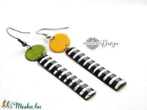 Dorothy - asszimetrikus tűzzománc fülbevaló - sárga-zöld  (InnocentDesign) - Meska.hu
