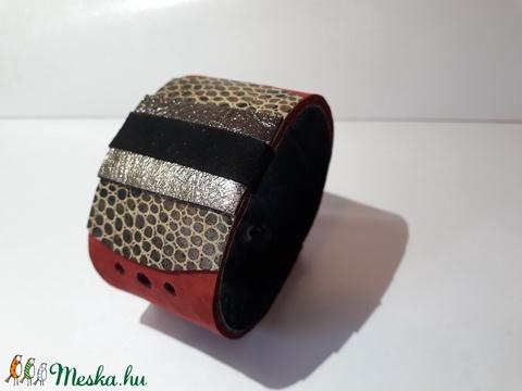 Ezüst, fekete, bordó színű bőrkarkötő - Meska.hu