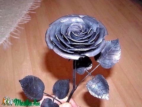 Kovácsoltvas rózsa (jamesz) - Meska.hu