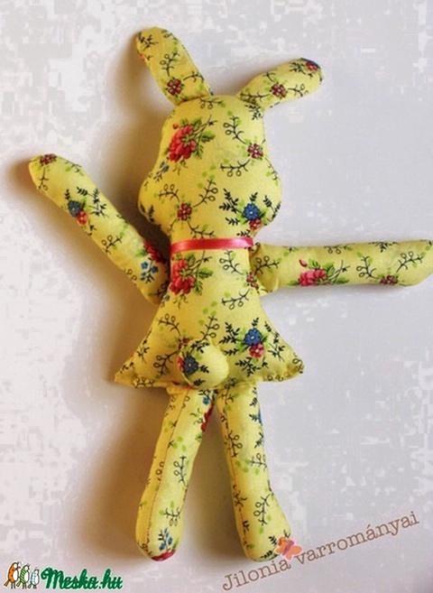 sárga-tarka nyulacska textilfigura - Meska.hu
