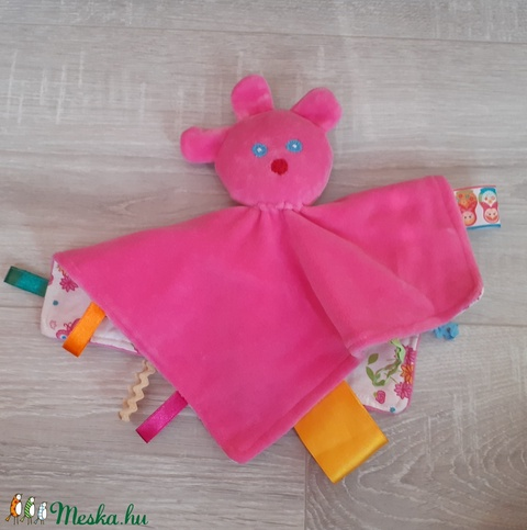 Rózsaszín pillangós címkerongyi  - Meska.hu