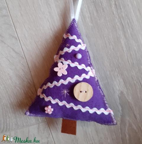 Lila karácsonyfadísz  - Meska.hu