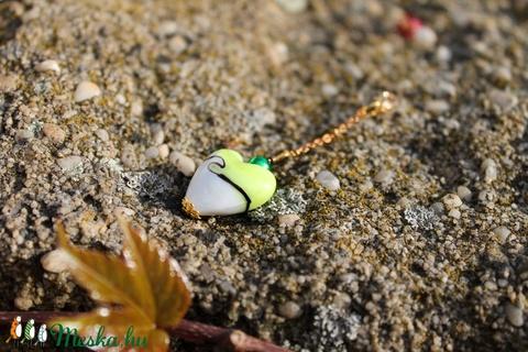 Zöld üvegszív charme kulcstartóra, nyakláncra, táskadísz  - Meska.hu