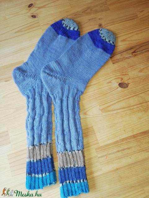 Kènyelmes kötött zokni - Meska.hu