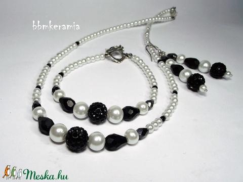 Klasszikus fekete-fehér tekla gyöngysor, karkötő és fülbevaló - Meska.hu