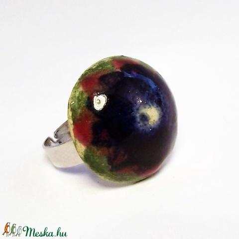 Zöld mező kék virága kerámia gyűrű (keramika) - Meska.hu