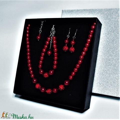 Elegáns piros kristálygömbös gyöngysor karkötő fülbevaló exkluzív díszdobozban - Alkalmi, esküvői, menyasszonyi ékszer  - Meska.hu