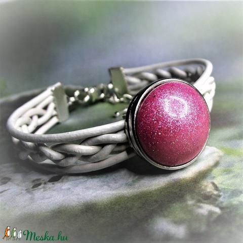 Rózsaszín álom - Kerámiapatentos fehér fonott bőr karkötő - Unikornis kollekció - Meska.hu