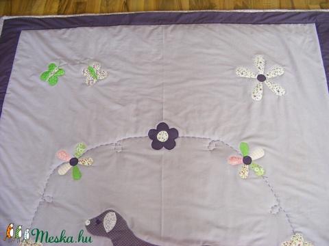 Patchwork takaró, kutyussal virág, és pillangó mintával - Meska.hu
