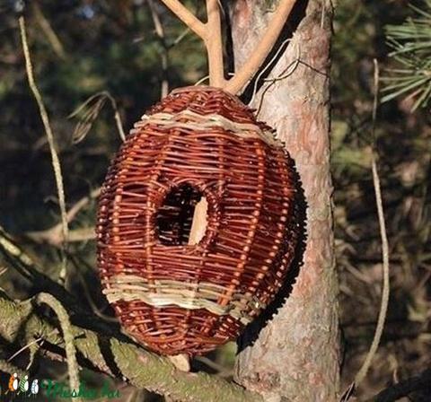 Rusztikus odú - madáretető natúr fűzvesszőből görbefából - Meska.hu