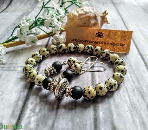 Dalmata jáspis, aromaterápiás lávakő ásvány, ásványgyöngy karkötô, fülbevaló - Meska.hu