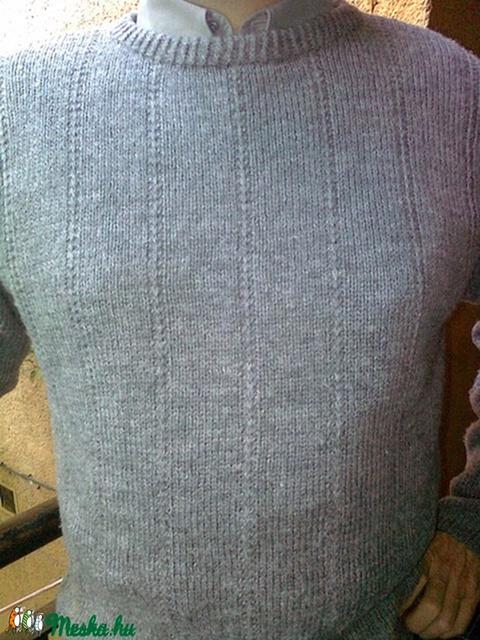 Kézzel kötött férfi pulóver - Meska.hu