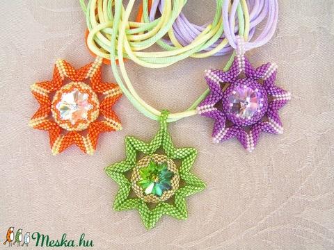 Sister Stars - Nővér csillagok gyöngyfűzött nyaklánc swarovskival (Zöld-Arany) - Meska.hu
