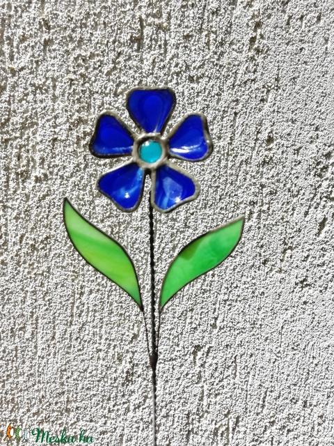 Tiffany kék margaréta olvasztott szirmokkal (krisztin75) - Meska.hu