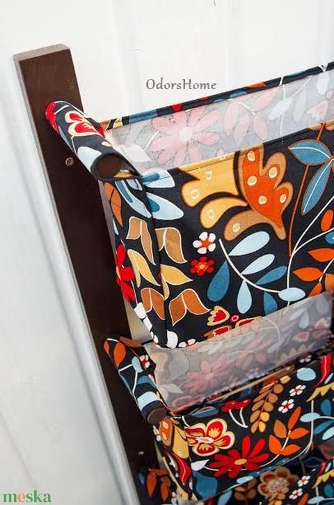 Fali tartó 3 textil rekesszel - zsebes tároló - előszobai rendszerező - fekete alapon színes virágos mintával (OdorsHome) - Meska.hu