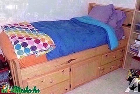 Fenyő ágy, 4db fiókkal, 1db nyitható szekrénnyel. - Meska.hu