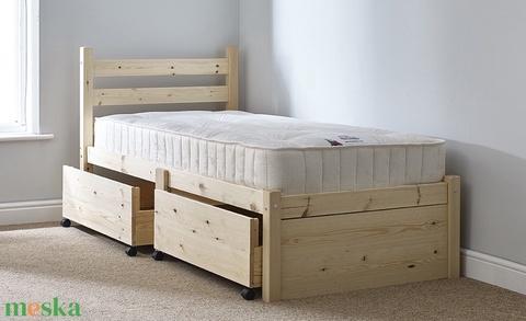 Fenyő ágy, 2db kihúzható ágyneműtartóval. (kulonlegesvasak) - Meska.hu