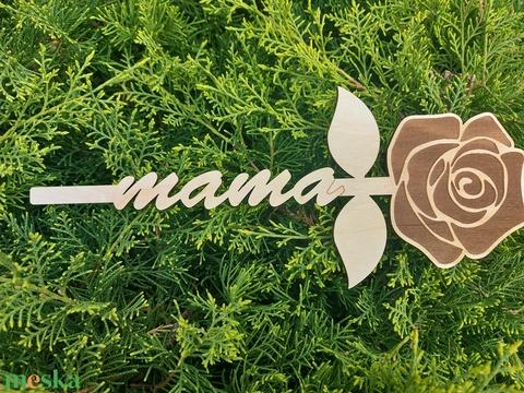 Örökrózsa, Mama, anya, keresztanya, dédi feliratú rózsák, lézergravírozással, Anyák napjára - Meska.hu