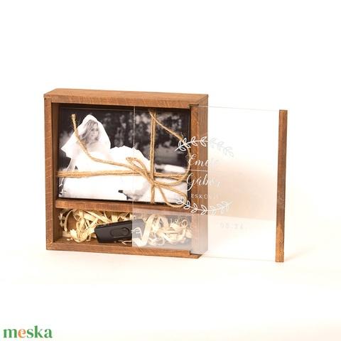 Fotódoboz, fényképes doboz fából, egyedi fotódoboz, esküvői fotótartó doboz. Egyedi (lfekete) - Meska.hu
