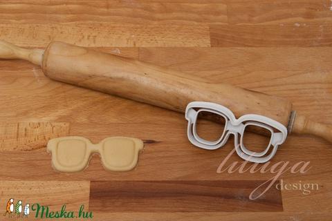 Szemüveg sütemény-, kekszkiszúró forma - Meska.hu