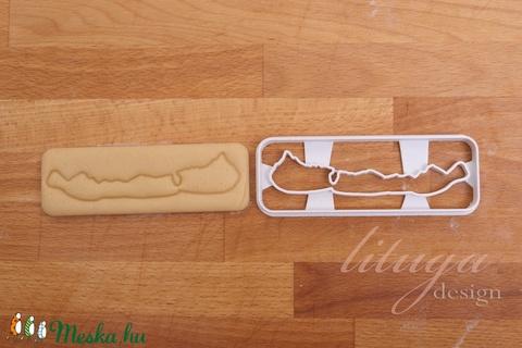 Balaton süteménykiszúró forma, Balaton alakú keksz szaggató - Meska.hu