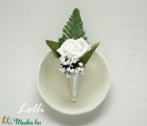 Hófehér Vőlegény kitűző (Lolli) - Meska.hu