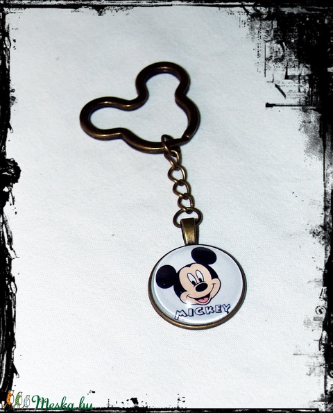 Mickey egér üveglencsés kulcstartó (LonaStudio) - Meska.hu