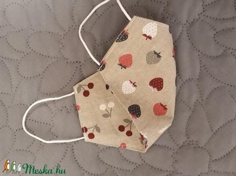 Cseris-epres kifordítható arcmaszk - többször használatos - két réteg tiszta pamut anyagból készült  (Macka) - Meska.hu
