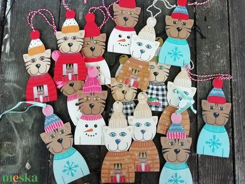 Hóemberes pulcsis cica karácsonyfadísz pink (MadeinDia) - Meska.hu