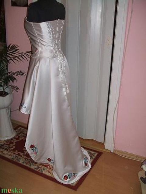 Menyasszonyi, menyecske ruha, kalocsai himzett, egyedi - Meska.hu