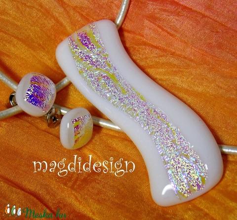 Fehér-arany dichroic hullámzás üvegékszer szett nyaklánc, stiftes fülbevaló (magdidesign) - Meska.hu