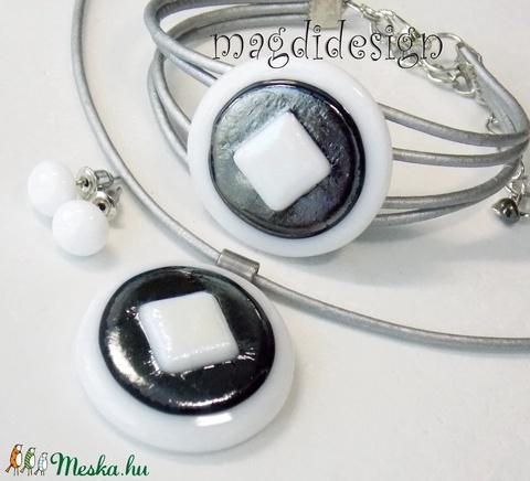 Szürke-fehér eozin üvegékszer szett nyaklánc, karkötő, stiftes fülbevaló (magdidesign) - Meska.hu