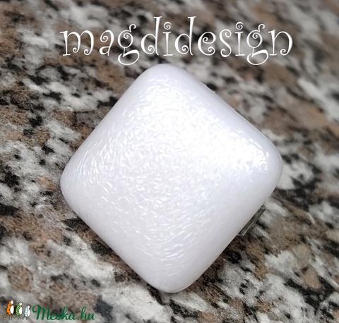 Hófehér kocka üvegékszer gyűrű - Meska.hu