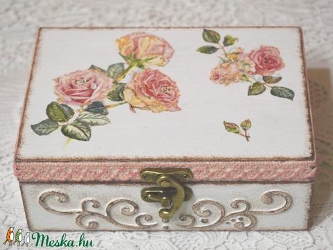 Elegáns doboz rózsákkal (MAJA71) - Meska.hu