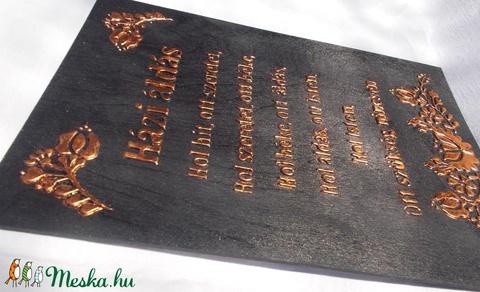 Házi áldás - síkból kiemelkedő, metál, (fémes hatású) betűkkel és mintával - Meska.hu