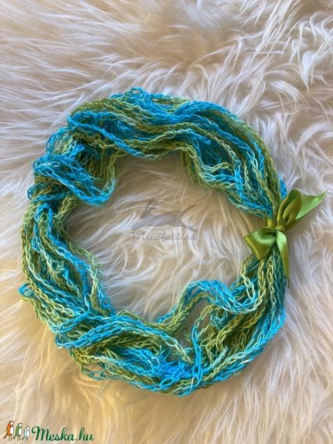 Amazónia - horgolt nyaklánc türkiz-kék-zöld színben (Manofaktura) - Meska.hu