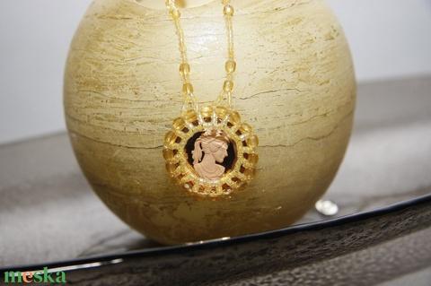 Arany  fűzött gyöngymedálos Camea nyaklánc és gyűrű - Meska.hu