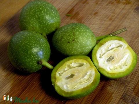 Vörösagyagos szappan zöld dió macerátummal egyedi vegán ajándék bagoly alakban normál zsíros bőrre szülinap névnap (medalin) - Meska.hu