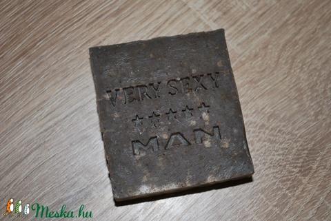 Szenes, agyagos szappan kecsketejesen hibiszkusszal (medalin) - Meska.hu