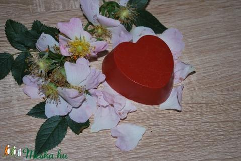 Málnamag olajos arctisztító tömb piros agyaggal, szűz murumuru vajjal (medalin) - Meska.hu