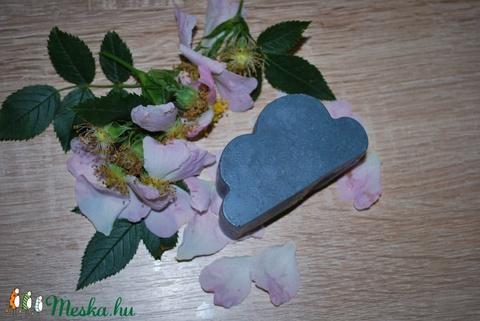 Kék agyagos arctisztító hidegen sajtolt szilvamag olajjal és lótusz porral különleges egyedi ajándék szülinapra névnapra (medalin) - Meska.hu