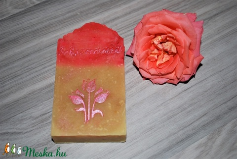 Pitypang szappan dió olajjal juhtejesen különleges egyedi luxus ajándék szülinapra névnapra virág minta száraz bőrre is (medalin) - Meska.hu