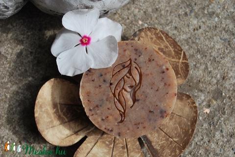 Babér-avokádó vegán sampon szappan zöld dió főzettel avokádómag őrleménnyel egyedi ajándék szülinapra névnapra is (medalin) - Meska.hu