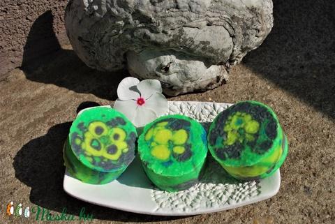 Vegán agave-lime szappan mangó vajasan vidám egyedi ajándék szülinapra névnapra minden bőrtípusra bőrre arcra pasi női (medalin) - Meska.hu