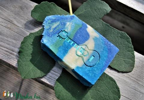 Kecsketejes avokádó vajas szappan mediterrán illattal zöld dió főzettel egyedi ajándék születésnapra névnapra pasinak is (medalin) - Meska.hu