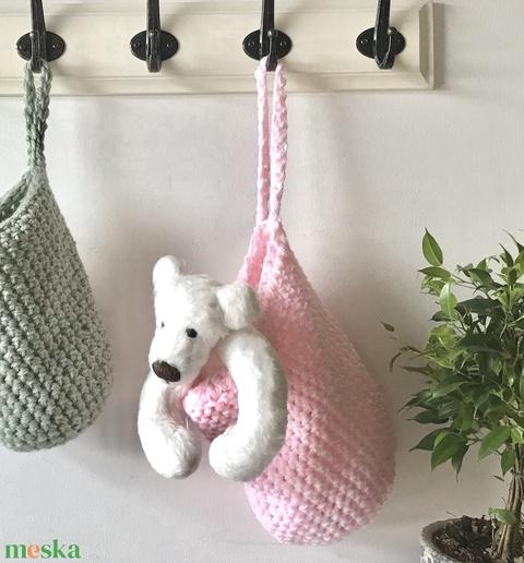 Egyedi rózsaszín, horgolt füles kosár - sál - sapka - kesztyű tartó - Artiroka design - Meska.hu